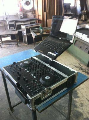 קייס לקונטרולר DJ עם מחשב