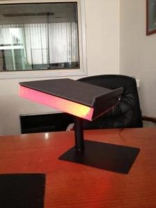 מעמד למחשב נייד צבעוני